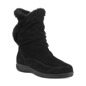 White Mountain Suede Traffic Winter Boots